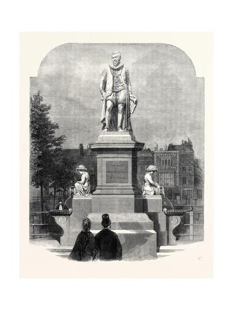 The Statue of Sir Hugh Myddelton at Islington Green Giclee Print by John Thomas