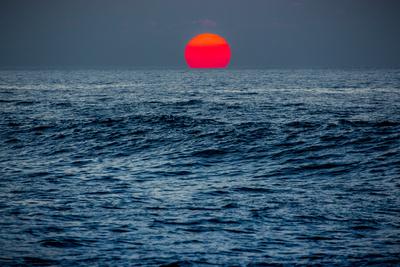 Sunset at Papohaku Beach, West End, Molokai, Hawaii Photographic Print by Richard Cooke III