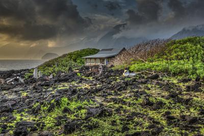 Mariano's Cabin on Makanalua Peninsula, Kalaupapa Settlement, Molokai, Hawaii Photographic Print by Richard Cooke III