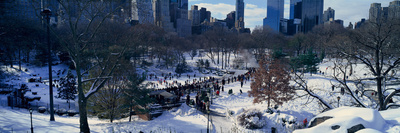 Panoramic View of Ice Skating Wollman Rink in Central Park Fotografisk tryk af Panoramic Images