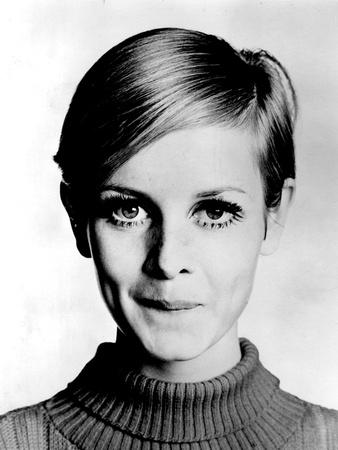 The Model Twiggy in 1967 Photo