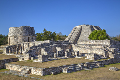 Overview, Round Temple to Left at the Back, and Castillo De Kukulcan to the Right Photographic Print by Richard Maschmeyer