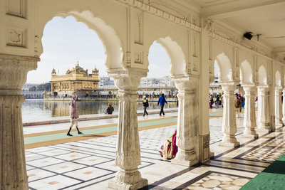 Harmandir Sahib (Golden Temple), Amritsar, Punjab, India Photographic Print by Ben Pipe