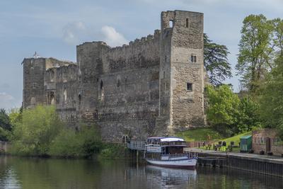 Castle and River Trent, Newark, Nottinghamshire, England, United Kingdom Photographic Print by Rolf Richardson