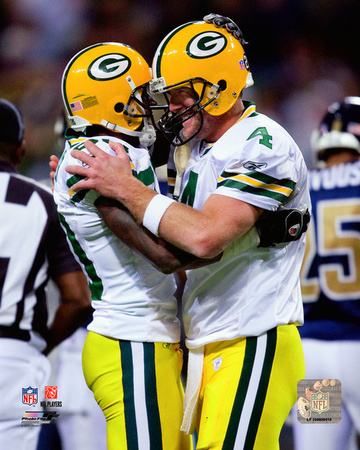 Brett Favre & Donald Driver celebrate Favre's becoming the NFL's all-time leader in career passing  Photo