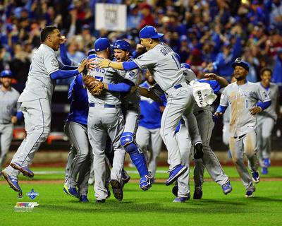 The Kansas City Royals celebrate winning Game 5 of the 2015 World Series Photo