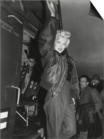 Marilyn Monroe Arriving by Helicopter at a U.S. Military Base in Korea Prints