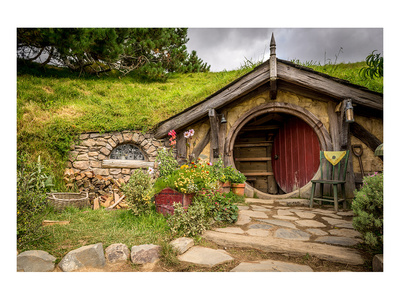 Baggin Hobbit Home New Zealand Prints