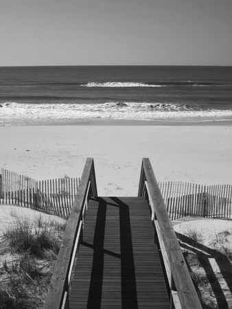 New York, Long Island, the Hamptons, Westhampton Beach, Beach View from Beach Stairs, USA 写真プリント : ウォルター・ビビコウ