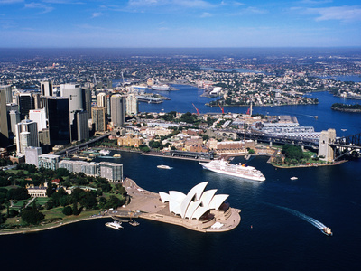 Sydney Harbour, with Opera House and Ms Europa in Centre, Sydney, New South Wales, Australia Kunst op metaal van Holger Leue
