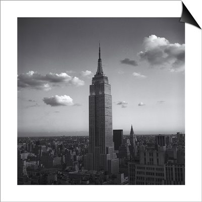 Empire State Building White Clouds - New York City Iconic Building, Top View Lámina Magnetic Art