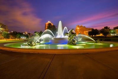 Kansas City Fountains Photographic Print by  tomofbluesprings