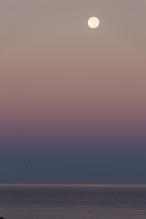 USA, California, Moonset over Pacific Ocean Photographic Print by John Ford