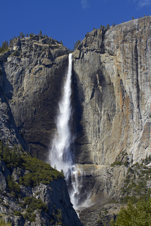Yosemite Falls, Yosemite Valley, Yosemite NP, California, USA Photo by David Wall