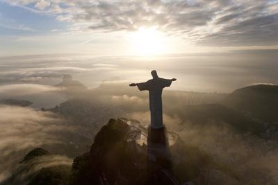 Art Deco Statue of Jesus,On Corcovado Mountain, Rio de Janeiro, Brazil Foto af Peter Adams