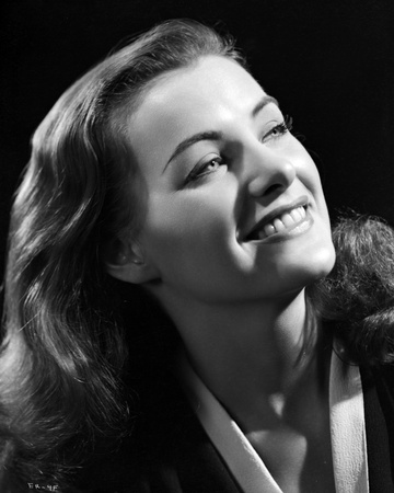Ella Raines Looking Up and smiling Photo by  Movie Star News