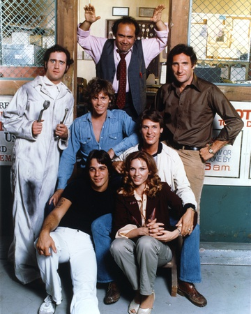 Taxi Cast Lady with Six Men posed Outside of the Store Photo by  Movie Star News