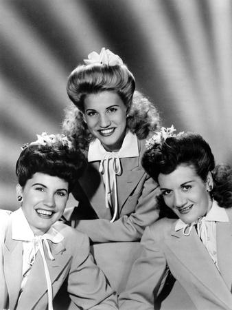 Andrew Sisters on Blazers sitting Portrait Photo by  Movie Star News