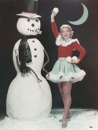 Dinah Shore in Christmas Outfit Portrait Photo by  Movie Star News