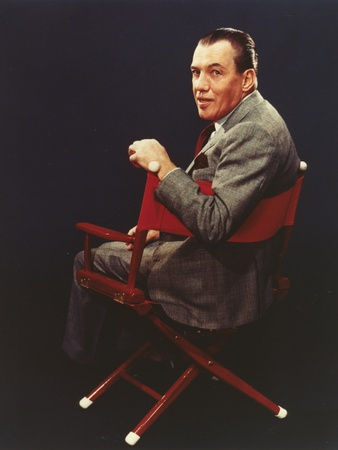 Ed Sullivan Seated in Blue Background Foto af  Movie Star News