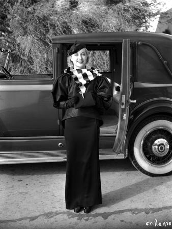 Genevine Tobin Posed in Black Dress Photo by  Movie Star News