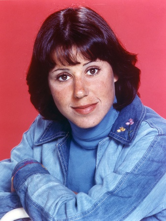 Julie Kavner wearing Blue Long Sleeves Jeans Close Up Portrait Photo by  Movie Star News