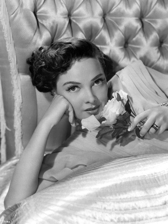 Kathryn Grayson Lying on a Couch Photo by  Movie Star News