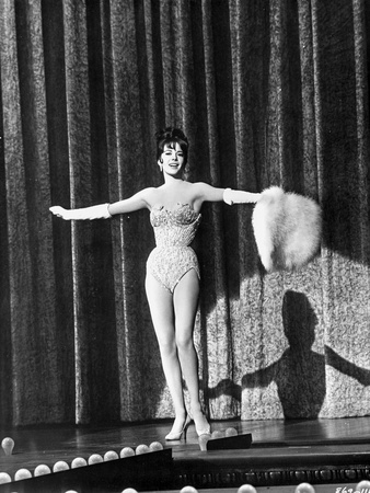 Natalie Wood Spreading Her Hand Photo by  Movie Star News