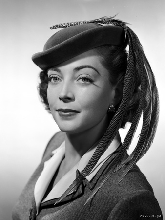 Marie Wilson Posed in Neat Dress with Hat Photo by  Movie Star News