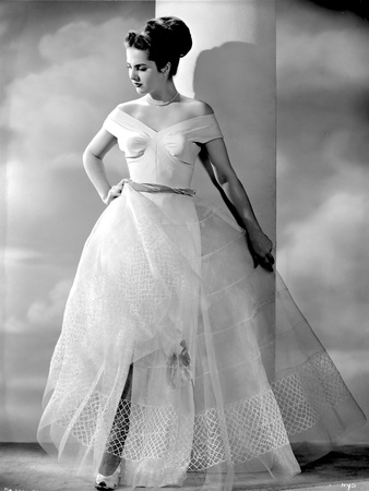 Martha Hyer on a Gown with One Hand on Waist Photo by  Movie Star News