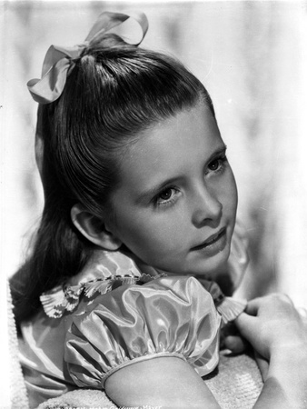 Margaret O'brien on a Puff Sleeve Photo by  Movie Star News
