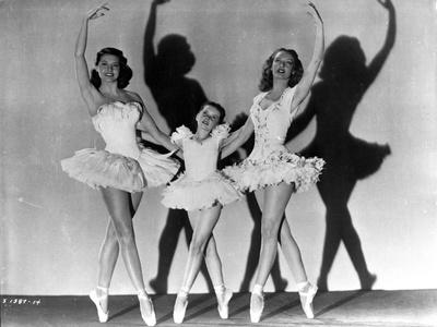 Margaret O'brien Balet Dancer Attired Photo by  Movie Star News