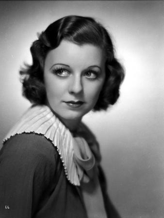 Margaret Sullivan Looking Away in Classic Dress Foto af  Movie Star News