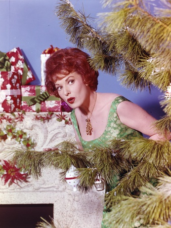 Maureen O'Hara Posed in Green Gown Photo by  Movie Star News