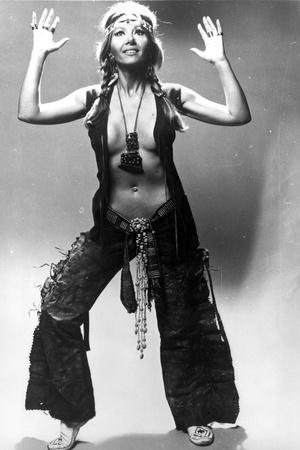 Ingrid Pitt Posed in Classic Foto af  Movie Star News