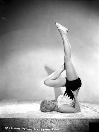 Penny Singleton Yoga Posed in Sexy Sportswear Photo by  Movie Star News