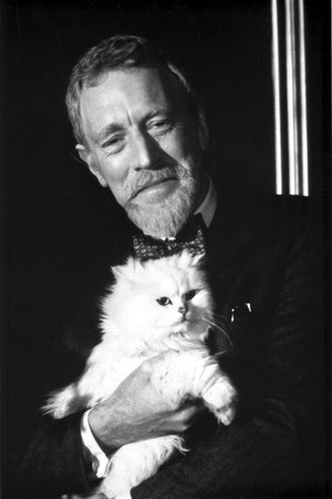 Max Von Sydow in Black With Cat Photo by  Movie Star News