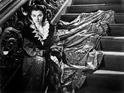 Vivien Leigh sitting on a Staircase Photo by  Movie Star News