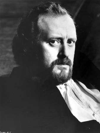 Nicol Williamson Posed in White Shirt With Black Background Photo by  Movie Star News