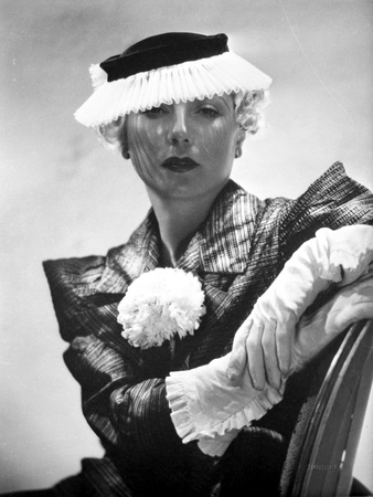 Lilyan Tashman posed in Elegant Dress with Hat and Gloves Photo by  Movie Star News