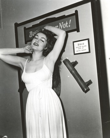 Julie Newmar Exposed her Armpit in White Dress Portrait Photo by  Movie Star News