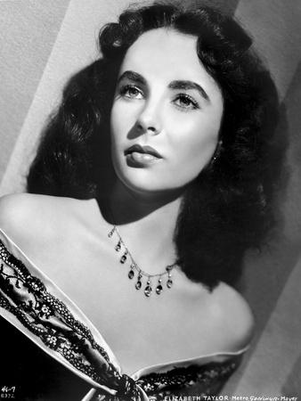 Elizabeth Taylor Classic Posed in Close-up Portrait Photo by  Movie Star News