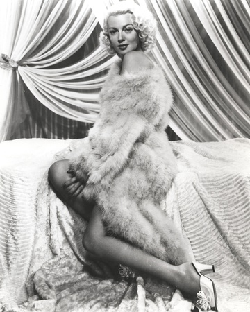 Lana Turner Pose wearing Fur Coat with Stiletto Photo by  Movie Star News