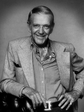 Fred Astaire smiling in Suit with Hand on Hip Photo by  Movie Star News
