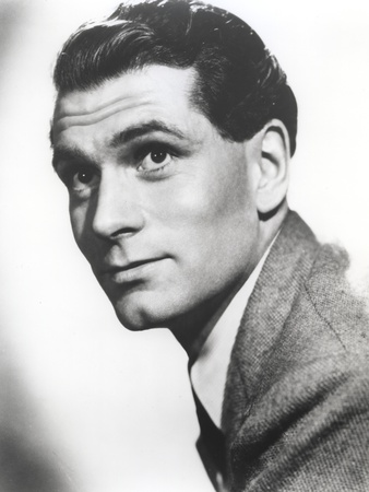 Laurence Olivier Black and White Close Up Portrait Photo by  Movie Star News