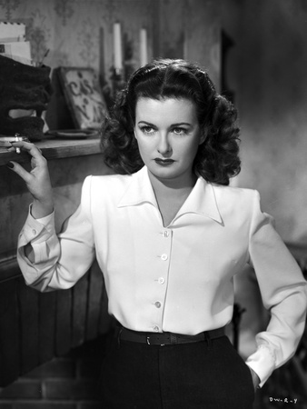 Joan Bennett on a Long Sleeve Stand Portrait Photo by  Movie Star News