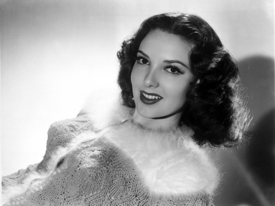 Linda Darnell smiling in Black and White Photo by  Movie Star News