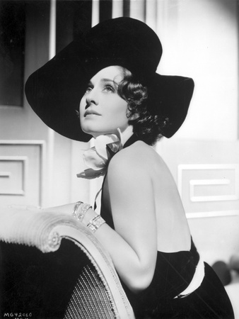 Norma Shearer Looking Up in Classic Foto af  Movie Star News