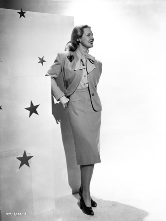Virginia Mayo Leaning on Wall Photo by  Movie Star News
