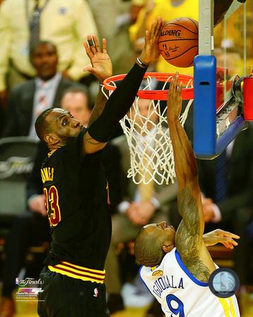 Lebron James block Game 7 of the 2016 NBA Finals Photo
